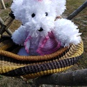 Pihe-puha hófehér macika - horgolt, Gyerek & játék, Baba-mama kellék, Horgolás, Kötés, A pihe puha macikát szempilla fonalból készítettem.  Biztonsági műanyag szeme és orra van.  A mellé..., Meska