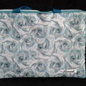 Türkiz rózsás laptoptáska, Táska, Laptoptáska, Desinger pamutvászon és türkiz vízálló anyagból készítettem ezt  a táskát.Szivaccsal bél..., Meska