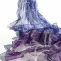 Kék és lila inda mintás selyemsál, Ruha, divat, cipő, Kendő, sál, sapka, kesztyű, Sál, Női ruha, Selyemfestés, Gyönyörű mélykék és lila színek adják ennek a vékony (Ponge 0,3) hernyóselyem kendőnek az alapszíne..., Meska