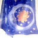 Hold Nap és Csillagok kék selyemsál, Ruha, divat, cipő, Kendő, sál, sapka, kesztyű, Sál, Kézzel festett kék hernyóselyem sál csillagokkal, a Holddal és a Nappal :) 100% hernyóselyem, Ponge0..., Meska