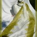 Zöld virágos hosszú selyem sál, Ruha, divat, cipő, Női ruha, A kendő két oldalát zöld színű virágos minta díszíti, a közepe hófehér.A termékeim között megtalálha..., Meska