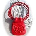 Kasmír mintás medál nyakláncon, Ékszer, Nyaklánc, Medál, Piros ékszergyurmából kézzel formáztam ezt a medált. A szélesebb alapból keskenyebb, visszahajló nye..., Meska