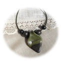 Olajzöld- fekete nyaklánc, Ékszer, Nyaklánc, Medál, Saját kezűleg készített fekete- zöld színátmenetes ékszergyurmából kézzel formáztam a több részből á..., Meska