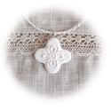 """""""Keresztvirág"""" medál, Ékszer, Nyaklánc, Medál, Ezt a kis görög kereszt formára emlékeztető medált hófehér ékszergyurmából készítettem. A négyszirmú..., Meska"""