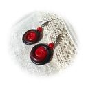 Becsavarodva - piros, Ékszer, Fülbevaló, Saját kezűleg készített fekete- piros színátmenetes ékszergyurmából kézzel formáztam a spirál formáj..., Meska