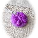Lilla, a lila pillangó : ), Ékszer, Nyaklánc, Medál, Kedves, kislányos, kör alakú medál pillangóval, amit  többféle lila árnyalatú ékszergyurmából készít..., Meska