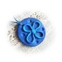 Játékos kék virágos, Ékszer, Nyaklánc, Medál, FIMO effect ékszergyurmából kézzel készített, a kék többféle szép árnyalatát fölvonultató medál, csi..., Meska