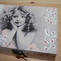 Vintage doboz, Otthon, lakberendezés, Tárolóeszköz, Doboz, Láda, Decoupage, szalvétatechnika, Festett tárgyak, Vintage stílusú doboz decoupage technikával készítettem, szalvéta, akril festékek felhasználásával ..., Meska