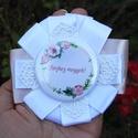 Lánybúcsú kitűző - cuki kitűző - vintage - esküvő - vintage esküvő - ajándék - lánybúcsú ajándék - pink - fehér - csipke, Ruha, divat, cipő, Ékszer, Esküvő, Bross, kitűző, Lánybúcsú kitűző - cuki kitűző - vintage - esküvő - vintage esküvő - ajándék - lánybúcsú ajándék - p..., Meska