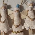 Karácsonyi csipesz angyalkák 5 db - karácsonyfadísz, Dekoráció, Karácsonyi, adventi apróságok, Karácsonyi dekoráció, Karácsonyfadísz, Baba-és bábkészítés, Mindenmás, 5 db angyalka egy csomagban Régimódi csipeszből készült angyalkák, amerikai design patchwork anyagb..., Meska