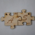 Puzzle Kulcstartó, Férfiaknak, Mindenmás, Kulcstartó, Famegmunkálás, Gravírozott puzzle kulcstartó, saját monogrammal, felírattal. Mérete 5*5cm  Kérésre karikát is tudo..., Meska