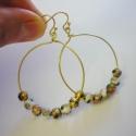 Arany tőndöklés, Ékszer, Fülbevaló, Ehhez a fülbevalóhoz arany színű drótot és 5mm-es cloissone gyöngyöket használtam. A karika..., Meska