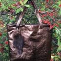 Exkluzív bronz valódi bőr táska szőrme táskadísszel, Táska, Válltáska, oldaltáska, Valódi, minőségi olasz bőrből készített kézitáska  Színe sötétbronz Bélése textilből ..., Meska