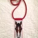 Lovas gyöngy-bőr nyaklánc, Ékszer, Nyaklánc, Lovas gyöngy-bőr nyaklánc  Gyöngyből, valódi bőrből készült nyaklánc a lovak kedvelőinek..., Meska
