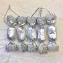 Ezüst textil szaloncukor ezüst pikóval 5 db, Dekoráció, Ünnepi dekoráció, Karácsonyi, adventi apróságok, Karácsonyfadísz, Minőségi textilből és ezüst pikóval készültek a textil szaloncukrok. Méretük 10,5 cm.  Karácsonyfadí..., Meska