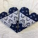2 db csipke-kékfestő szív , Dekoráció, Dísz, Kékfestő-Csipke szívek   Méretük 12 cm. Az ár 2 db szívet tartalmaz. Nagyobb tételben is meg..., Meska