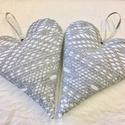 2 db ezüst csipkés szív karácsonyfa dísznek, ajándékkísérőnek, Dekoráció, Karácsonyi, adventi apróságok, Ünnepi dekoráció, Karácsonyfadísz, Csipkeszívek akasztóval  Karácsonyfadísznek és ajándékkísérőnek vagy önmagában ajándéknak egyaránt s..., Meska