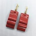 Piros valódi bőr fülbevaló, Ékszer, Fülbevaló, A fülbevaló valódi olasz bőrből készült.  Mérete: Bőr hossza 4,5 cm, szélessége 2 cm.  A ..., Meska