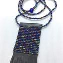 Egyedi, rojtos gyöngy-bőr nyaklánc, Ékszer, Nyaklánc, A nyaklánc cseh gyöngyből és valódi bőrből készült.   Méretek: medál rész rojttal 14,5 c..., Meska