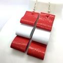 Piros-fehér valódi bőr fülbevaló, Ékszer, Fülbevaló, A fülbevaló valódi olasz bőrből készült saját tervezéssel, kivitelezéssel.  Színek: piros..., Meska
