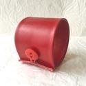 Piros valódi bőr karkötő, Ékszer, Karkötő, A karkötő valódi bőrből készült, saját tervezéssel, kivitelezéssel.  Mérete begombolva körbe 20 cm, ..., Meska