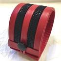 Bőr karkötő, Piros-fekete csíkos , Ékszer, Karkötő, A karkötő valódi bőrből készült, saját tervezéssel, kivitelezéssel.  Mérete begombolva körbe 20,1 cm..., Meska