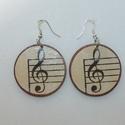 Fülbevaló pár - Violin kulcs, Ékszer, óra, Fülbevaló, Violin kulcsot ábrázoló fülbevalópár nem csak zenészeknek!  5 cm átmérőjű, fa alapú fül..., Meska