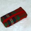 Piros, kék, zöld kockás zsebkendő tartó, Táska, Neszesszer, Pénztárca, tok, tárca, Zsebkendőtartó, Piros, zöld, kék kockás anyagból készült zsebkendőtartó, mely 10 zsebkendő tárolására alkalmas. Pici..., Meska