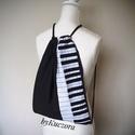 Zongora mintás hátizsák, tornazsák, Zongora mintás hátizsák, tornazsák  Mérete: 4...
