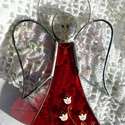 ŐrAngyal piros ruhában fehér tulipánban, Mert mindenkinek van ŐrAngyala! Nagy-nagy szerete...