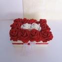 Vörös rózsa box különbözö feliratokkal , Dekoráció, Mindenmás, Dísz, Virágkötés, Vörös rózsából és 2 fehér rózsából álló boxomat kínálom eladásra.  A box mérete:  21 cm x 14 cm x 7..., Meska