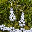 Ezüst margaréta - ezüst - fehér virágmintás gyöngyékszer, Ékszer, óra, Karkötő, Hét kis fehér szirmú virág alkotja ezt a karkötőt, amelyet ezüst színű és hófehér cseh g..., Meska
