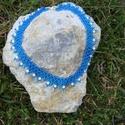 Kék csiperke - kék gyöngygallér, Ékszer, óra, Nyaklánc, Eredeti minta, gyimesi csángó csiperke, nem az eredeti színekben. Világos kék cseh kásagyöngy..., Meska
