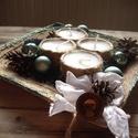Csillogó karácsony, Dekoráció, Ünnepi dekoráció, Karácsonyi, adventi apróságok, Karácsonyi dekoráció, Mindenmás, Adventi asztalidísz, 4 db gyertyával. Mérete: kb. 20x20 cm, Meska