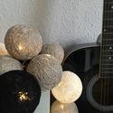 Gömb fényfüzér, Dekoráció, Otthon, lakberendezés, Lámpa, Hangulatlámpa, Mindenmás, Pamutcérnából készült egyedi gömbfüzér, amelyből nincs két ugyan olyan.   - meleg fényű, 10 izzós L..., Meska