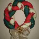 Karácsonyi fonott textil koszorú, Dekoráció, Otthon, lakberendezés, Karácsonyi, adventi apróságok, Karácsonyi dekoráció, Koszorú, Gyönyörű ünnepi dísz lehet a bejárati ajtón.  Három színű textilből készült, vlies-se..., Meska
