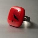 Red gyűrú, Ékszer, Gyűrű, Négyzet formájú, többrétegű üveg összeolvasztásával készülő egyedi termék. Mérete~2x2..., Meska