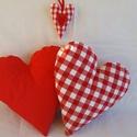 Piros szív alakú párna szett, házassági évfordulóra,fotózáshoz, Dekoráció, Otthon, lakberendezés, Patchwork, foltvarrás, Varrás, 2 db piros párna Szerelmeseknek, Születésnapra, fotózáshoz kelléknek, vagy csak egyszerűen, ha szer..., Meska