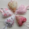 Filc szív csomag Tavaszi szivecskék Anyák napja Nőnap, Dekoráció, Otthon, lakberendezés, Mindenmás, Dísz, Varrás, Gyönyörű szép,mintás szívek filc anyagból. Mindkét oldala egyforma mintás,kis vatelinnel tömve. Pih..., Meska