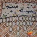 Pillangós naptár tábla, Naptár, képeslap, album, Naptár, Naptár tábla: hogy egyetlen fontos ünnep se merüljön feledésbe  A naptár tábla egy öröknaptár, amely..., Meska