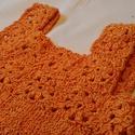 Narancs színű kisruha, Ruha, divat, cipő, Gyerekruha, Baba (0-1év), Gyerek (4-10 év), Horgolás, Kötés, Narancs színű kis ruha. a felső része horgolással, az alja kötéssel készült. A fonal érdekessége, h..., Meska