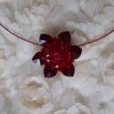 Csupa szív pirosban, Ékszer, Nyaklánc, Gyöngyfűzés, A nyaklánc medálja Swarovski kristályokból és üveggyöngyökből készült piros árnyalatokban,a medál á..., Meska