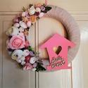 """Hello tavasz ajtódísz, Dekoráció, Otthon, lakberendezés, Ajtódísz, kopogtató, Virágkötés, Gyönyörű tavaszi virágok, termések, szívecskés házikó és egy """"hello tavasz"""" felirat. Mindezek megta..., Meska"""