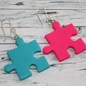 Felemás színű türkiz pink puzzle fülbevaló, Hőre keményedő gyurmából készült pink és t...