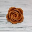 Elegáns arany rózsa gyűrű, Ékszer, óra, Gyűrű, Ékszerkészítés, Hőre keményedő gyurmából készült elegáns arany rózsa gyűrű, állítható méretű. Átmérője 3 cm. Napfén..., Meska