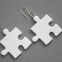 Fehér puzzle fülbevaló, Ékszer, óra, Medál, Nyaklánc, Hőre keményedő gyurmából készült fehér puzzle fülbevaló. Mérete 2,5x2,5 cm.  , Meska