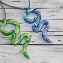 AKCIÓ!! Két kígyó medál egy áráért, kék és zöld, Ékszer, óra, Medál, Nyaklánc, Egy medál áráért, mely 1400ft két medál kapható. Hőre keményedő gyurmából készült, hossza kék 6cm és..., Meska
