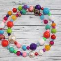 Tarka bogyós nyaklánc, Ékszer, Nyaklánc, Üveg és műanyag gyöngyökből álló tarka nyaklánc, melynek hossza 76 cm. Boltomban megtalálod a hozzá ..., Meska