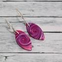 Lila elegáns mini fülbevaló, Ékszer, óra, Fülbevaló, Hőre keményedő gyurmából készült  lila elegáns mini fülbevaló. Hossza 2 cm. Saját készítésű antialle..., Meska