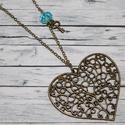 Antik szív, csiszolt türkiz gyönggyel és kulccsal, Ékszer, óra, Nyaklánc, Antik hatású nagy szív alakú mutatós vintage nyaklánc, melynek mérete 6,5x5,5 cm. Jobb oldala türkiz..., Meska